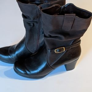 Ladies mid calf brown boots. Size 10